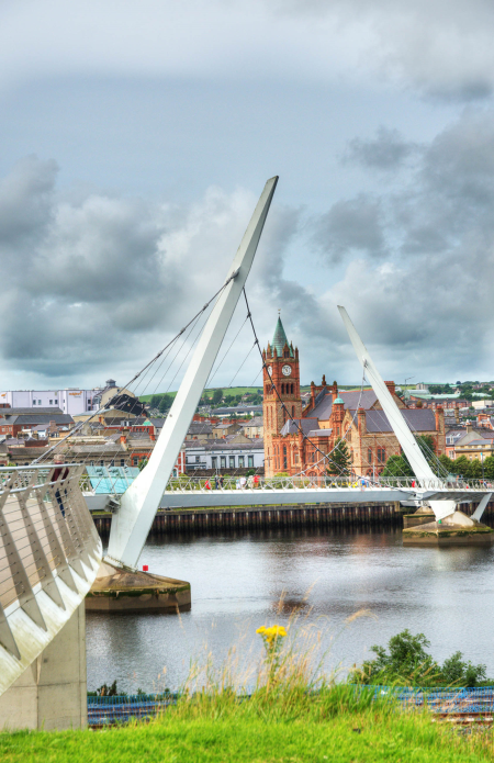 IRL4671 The Peace Bridge, Derry