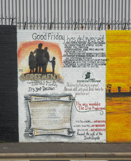 IRL5006 Mural on the Wall,Belfast